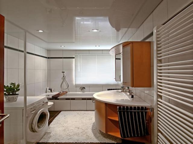 глянец белый в ванной