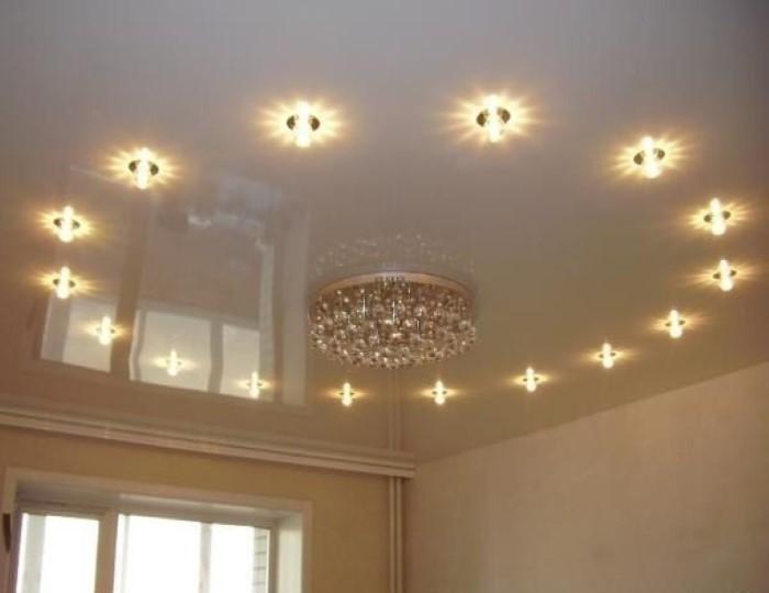 освещение в натяжных потолках