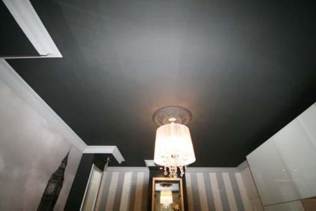 Темные натяжные потолки