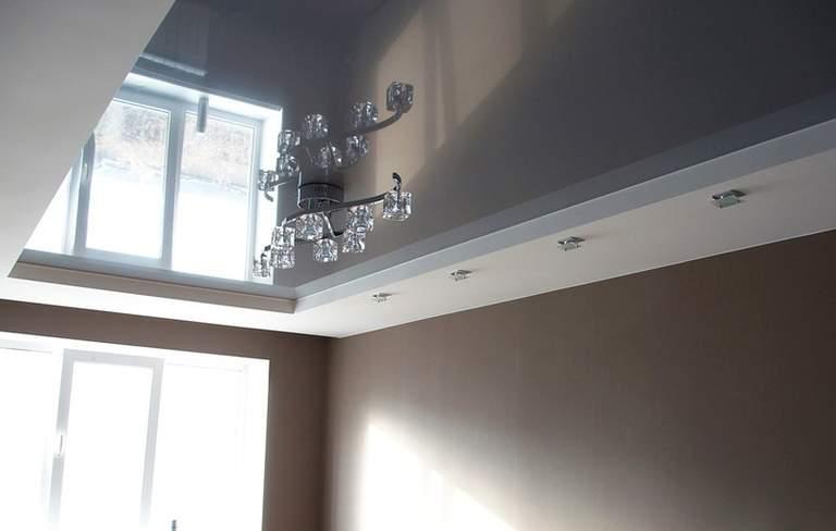 Серые двухуровневые натяжные потолки