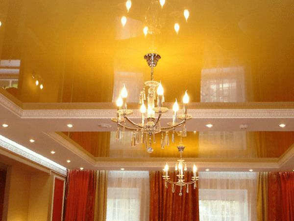 Золотые натяжные потолки