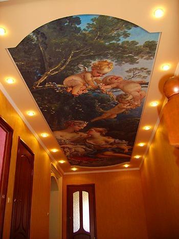 натяжной потолок в отеле